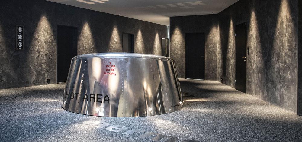 2-ladenbau-moebel-design-produkt-einrichtung-store-concept-konzept-interieur-design-rohrfabrik-moebel-kleiderstaender-kleider-zimmer-rohr-gestell-regal2.jpg