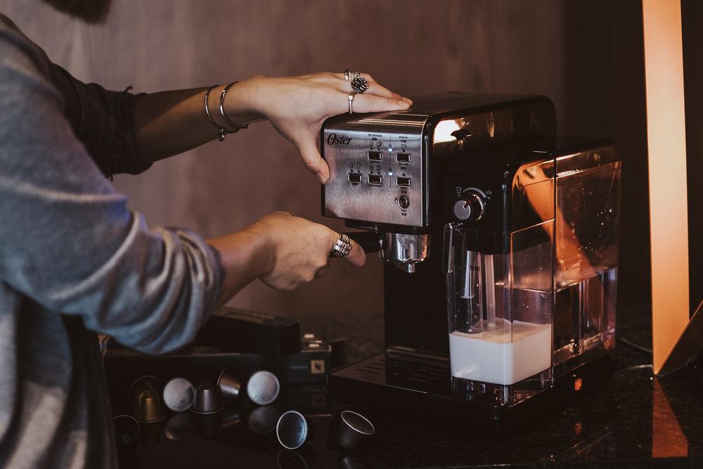 Oster Caffee Machine - HengStyle 恆隆行 - FUJIfilm X-T3 XF3514 - Yes! Please Enjoy-3.jpg
