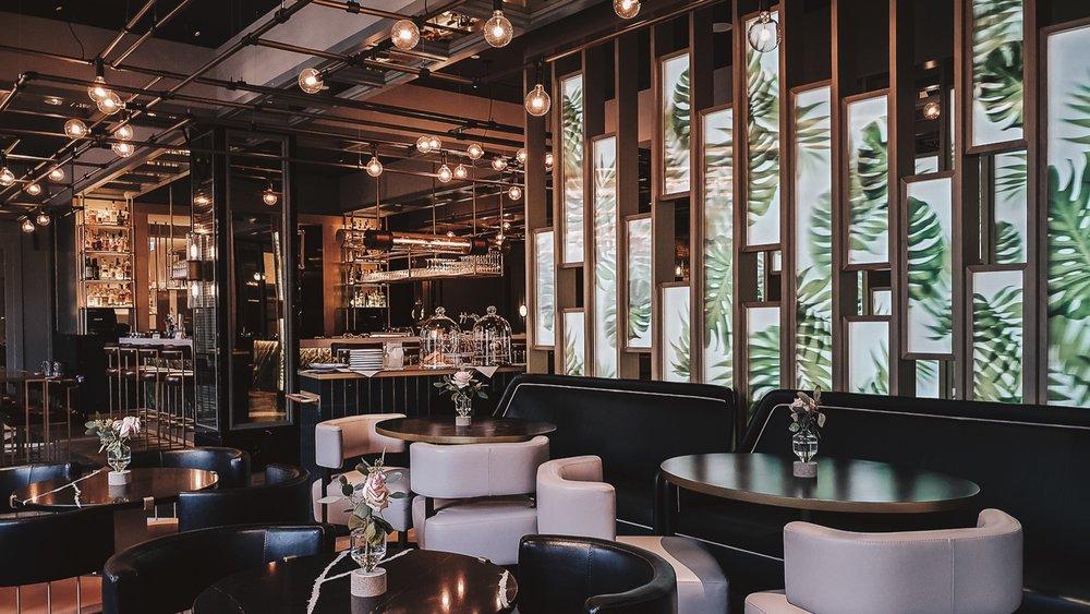 Juliet+Rose+Bar+Munich+-+Samsung+Galaxy+Note9+-+Yes%21+Please+Enjoy+by+Fanning+Tseng-11.jpg