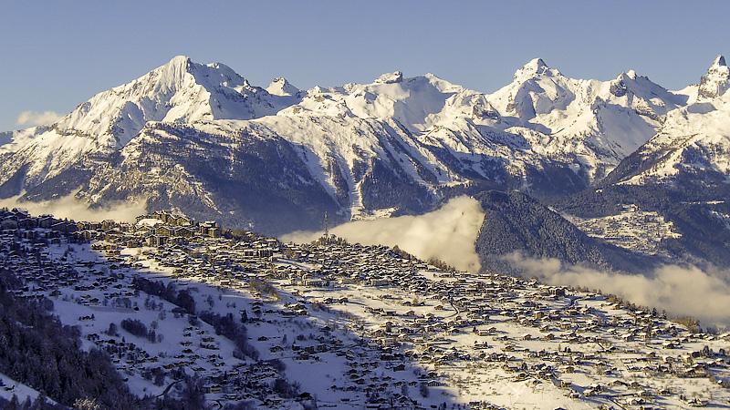 Blick auf Nendaz und die Berner Alpen