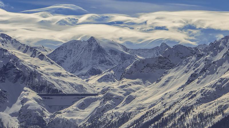 Staumauer von Dixance im Winter.jpg