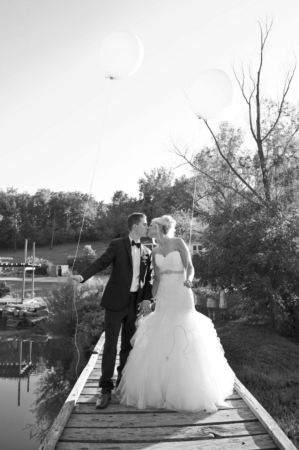 Wedding (221)B&W.jpg