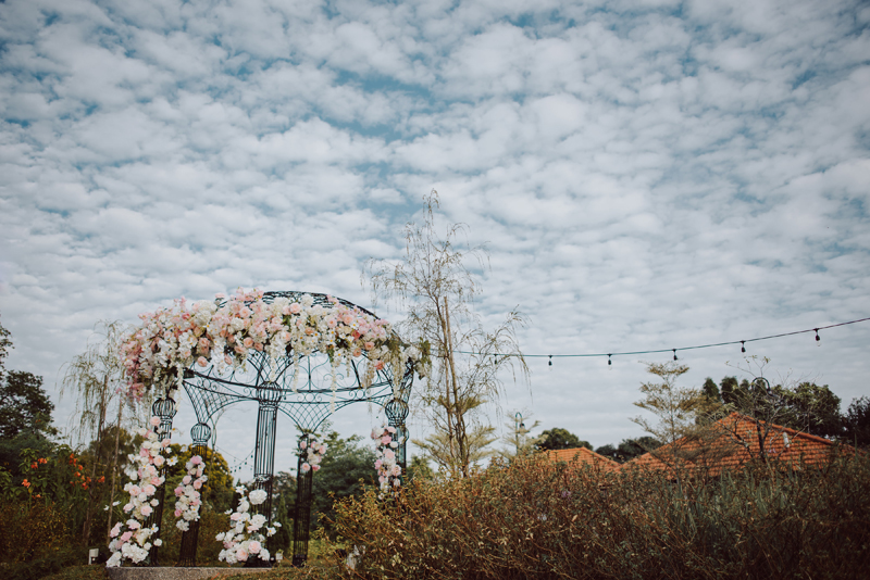 Wedding Styled Shoot at  THE SUMMERHOUSE  Floral Styling By:  CC Lee Designs    Photographed By:  Kai Picture