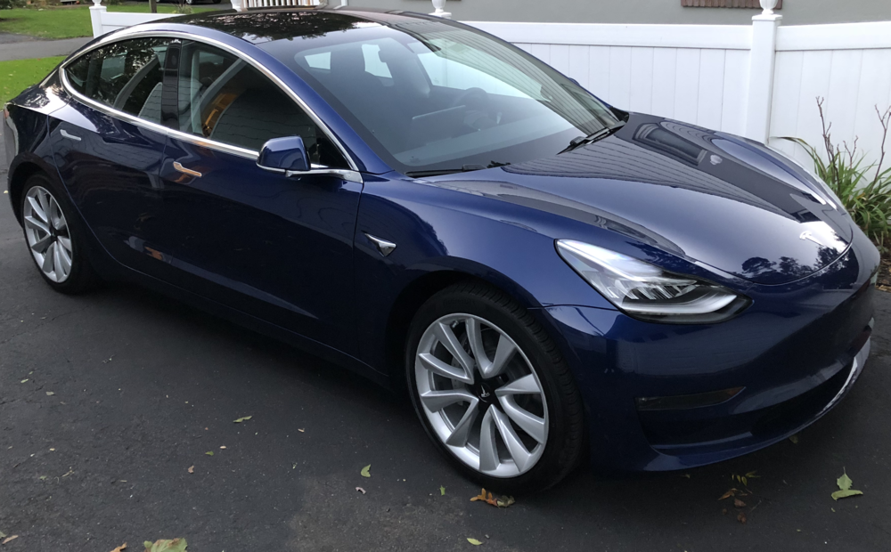 Tesla Model 3 (front left angle).png