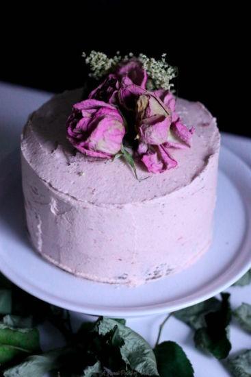StrawberryRose-Cream-Cake-1-of-1-1.jpg