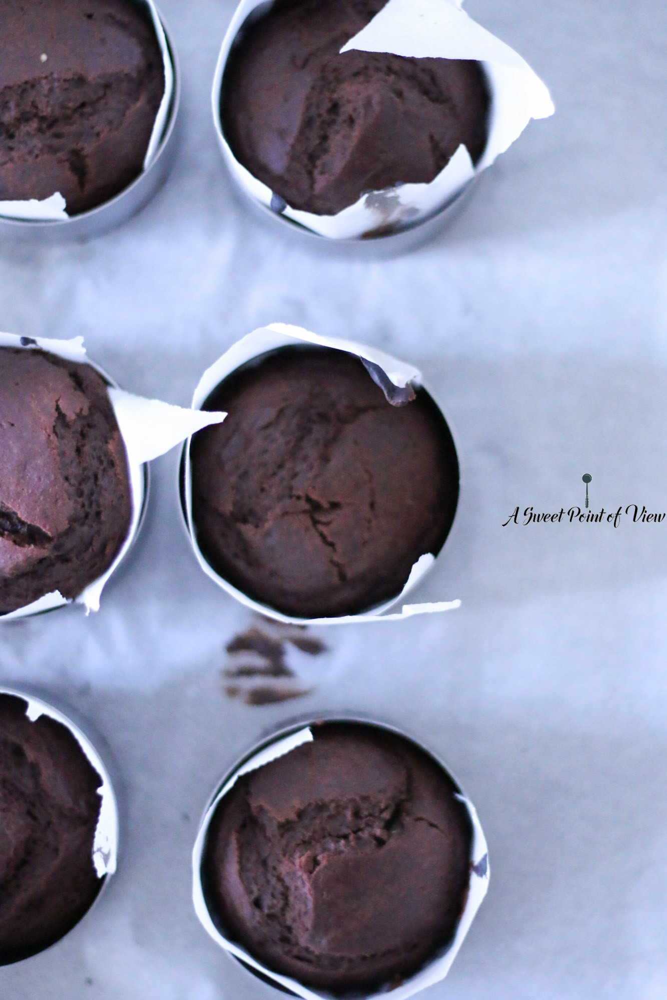 2-sablechocolate-cakes-hoch-format-dark-food-photography-sweet-point-of-view-melissa-ofoedu-photgraphy-1-von-1