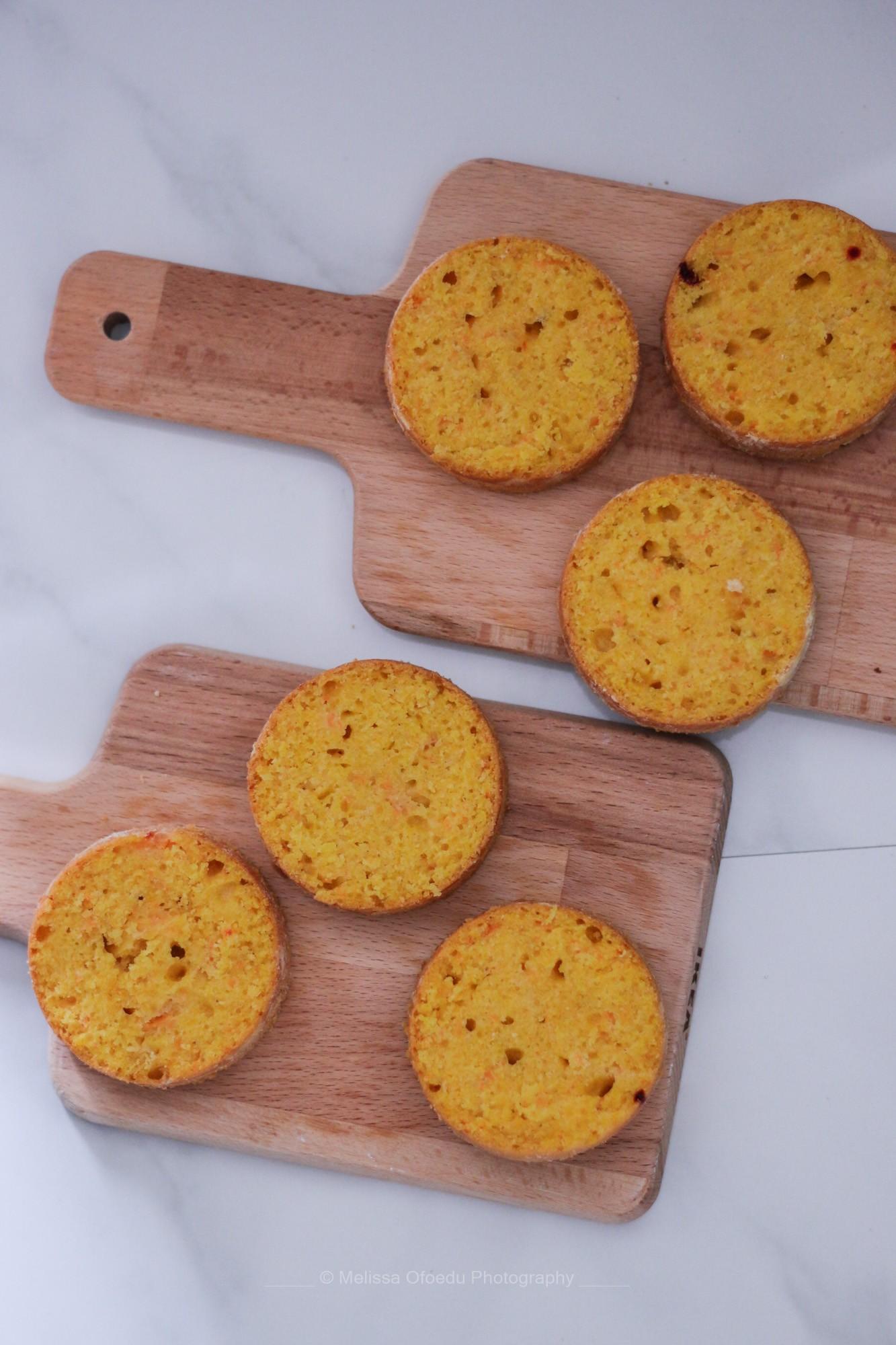 pumpkin-spice-cake-with-blackberrycream-melissa-ofoedu-photography-2-von-1