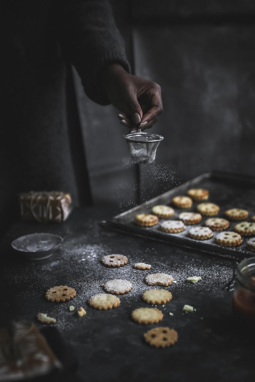 Linzer Cookies with sugarfree Permmisson Jam  (4 of 16).jpg
