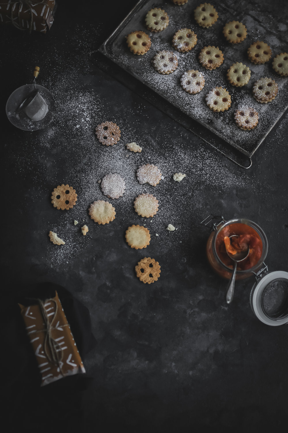 Linzer Cookies with sugarfree Permmisson Jam  (7 of 16).jpg