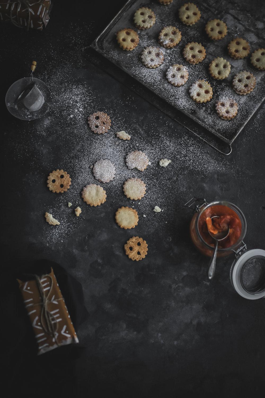 Linzer Cookies with sugarfree Permmisson Jam  (7 of 16).jpg