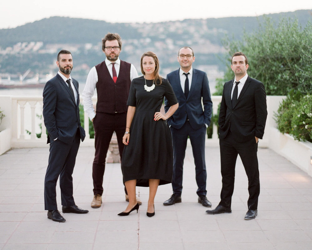 Lizzy and The Gentlemen - Lizzy and her live band. The finest in live music for exclusive weddings and events in the South of France.Click below for booking information.