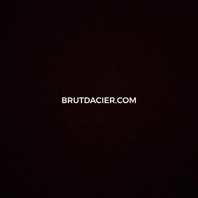 🎉Le site est en ligne ! 🎉 www.brutdacier.com . . . .  #interior #instahome #homedecor #interior4all #decoration #interiores #furniture #homestyle #interiors #interiorstyling #archilovers #interior123 #architecturelovers #inredning #myhome #interiordecor #homedesign #finahem #livingroom #nordiskehjem #archidaily #arquitecturadeinteriores  #france_vacations #wu_france #france_photolovers #unlimitedfrance #exclusive_france #super_france  #focalmarked