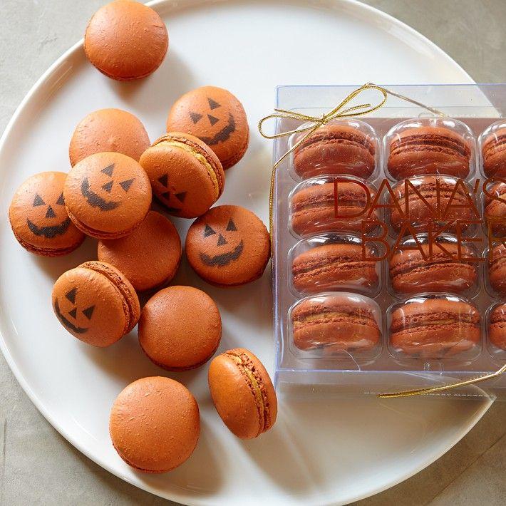 2a2b5-pumpkinmacarons.jpg