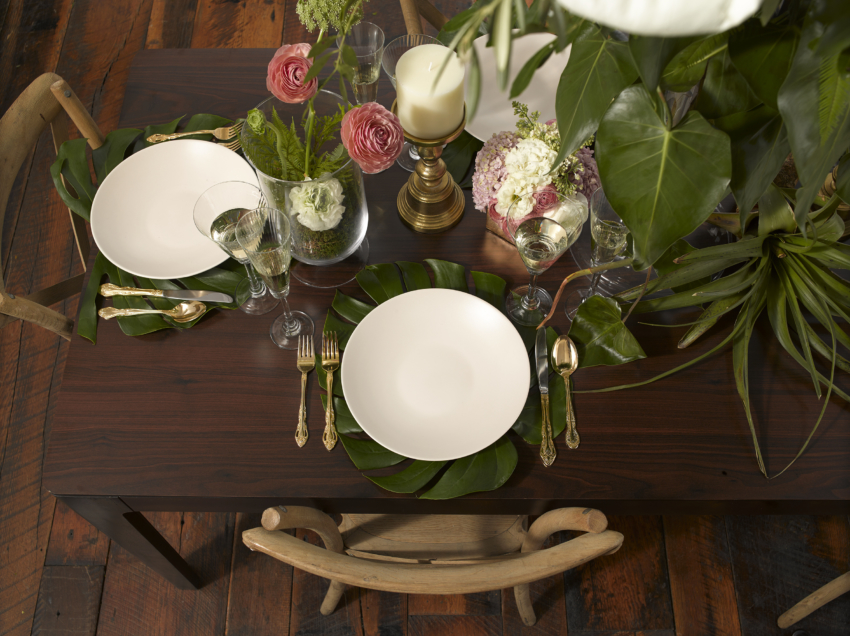 Fashionable Hostess Feature: Dinner Party Spotlight