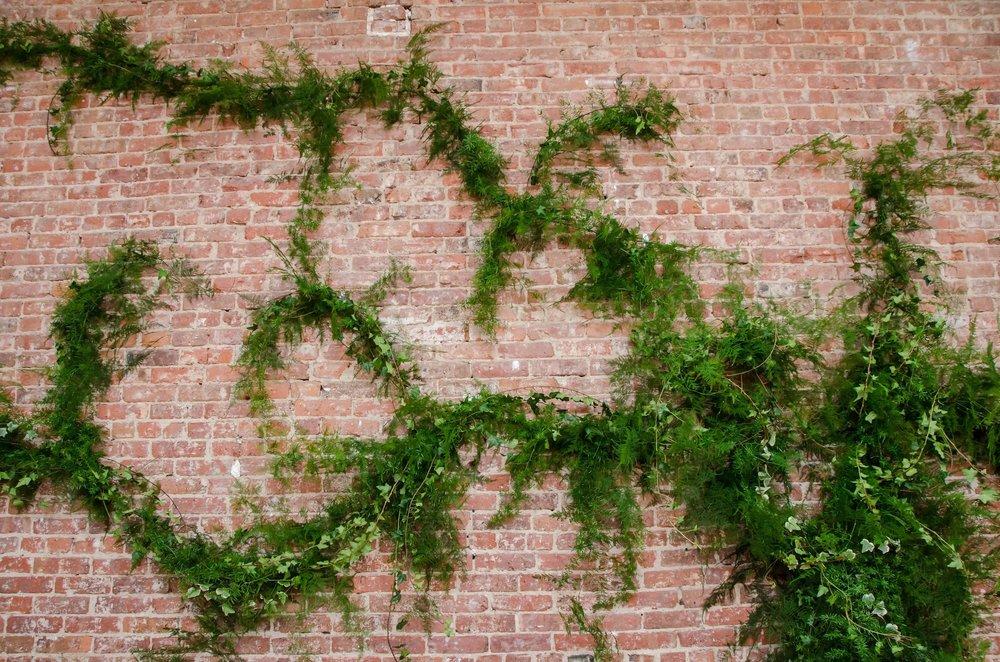 7fc7a-flowinggreeneryonexposedbrick-bfloralflowinggreeneryonexposedbrick-bfloral.jpg
