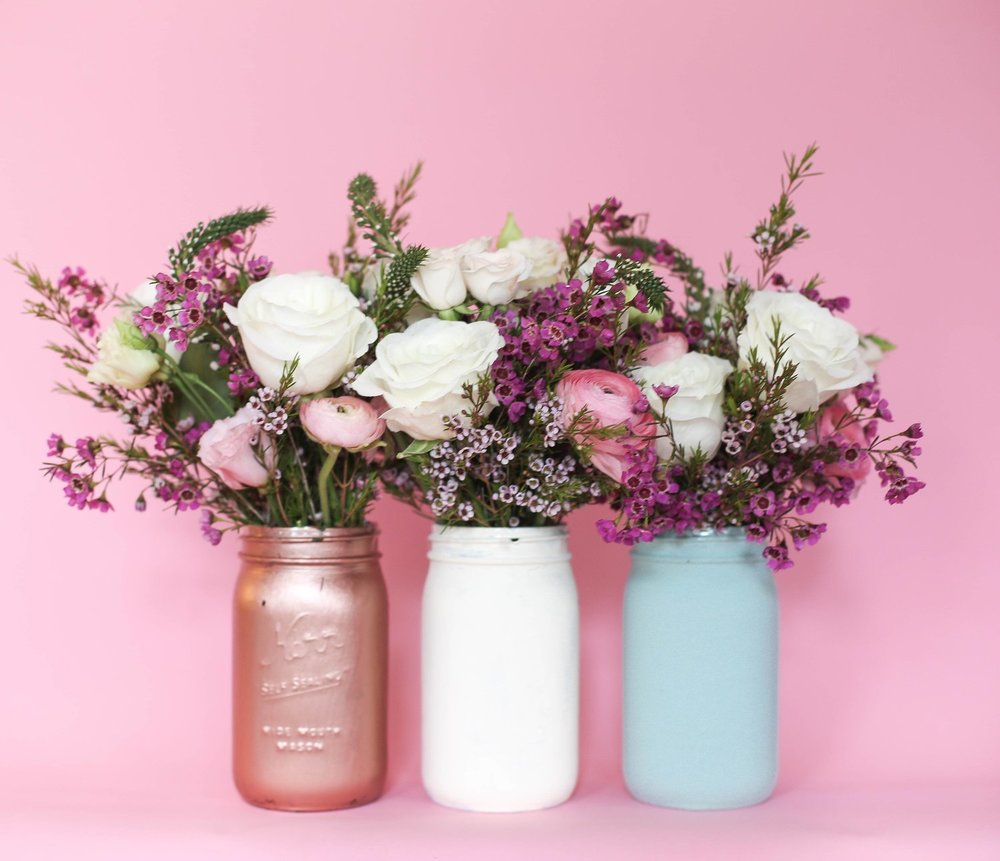 2 Easy Diy Floral Arrangements For Spring Using Common