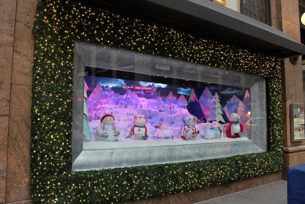 MACY'S HOLIDAY WINDOW - B FLORAL