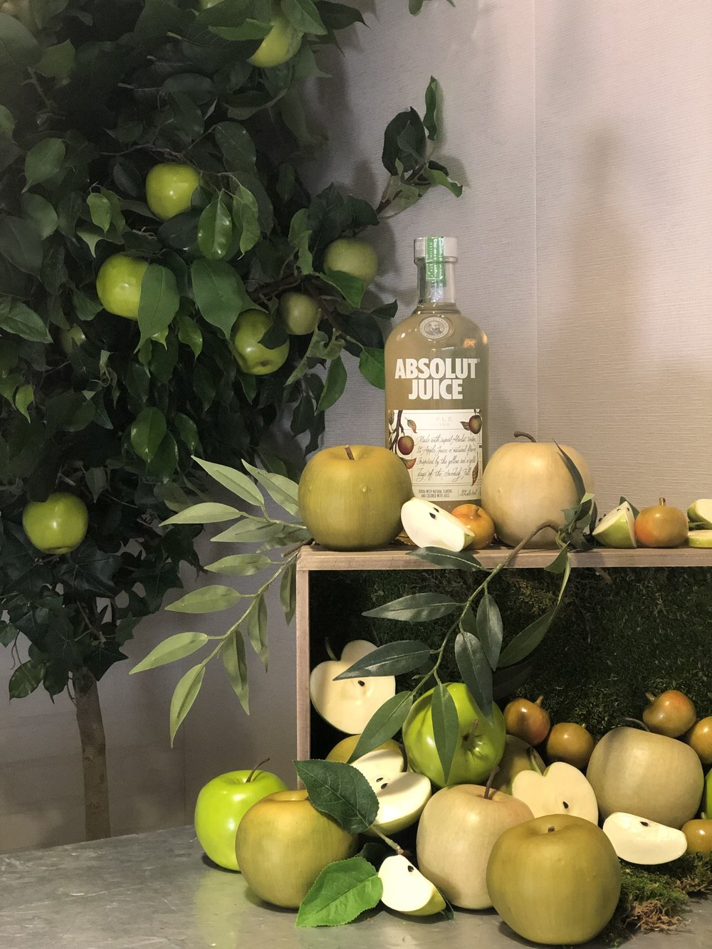 Absolut Juice Apple Product Display- B Floral