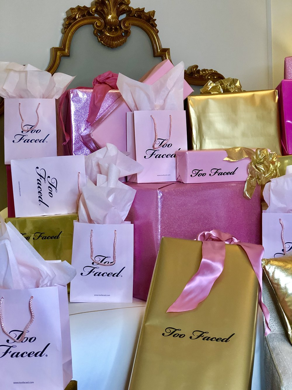 Gift Too Faced Install- B Floral