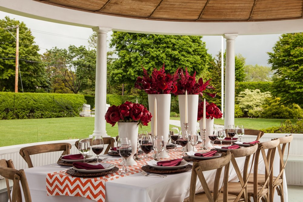 MONOCHROMATIC TABLESCAPE - RED - SPRING - 2019 - B FLORAL
