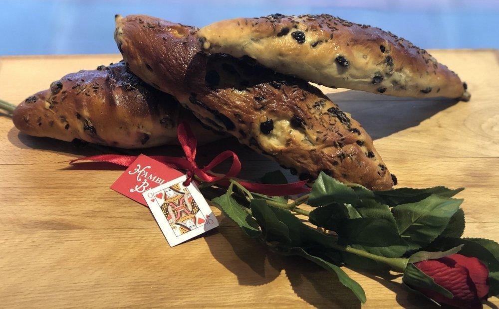 hambleton_bakery_breads_rutland-plum-shuttle.jpg