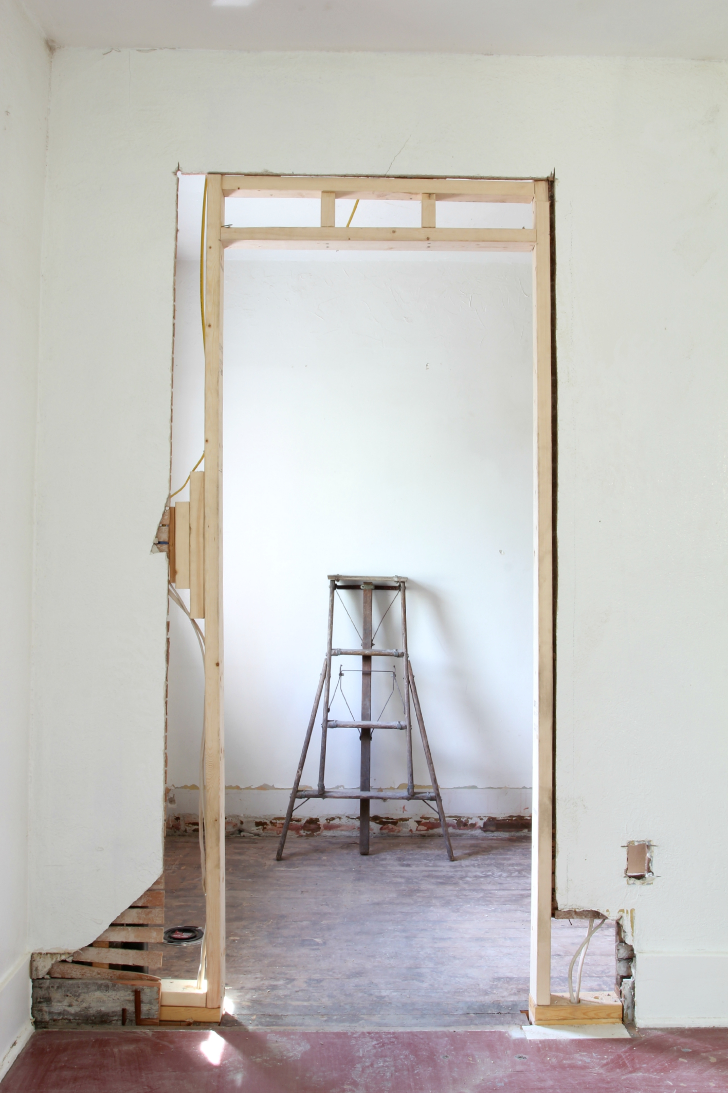 The Grit and Polish - Dexter Master Bathroom Ladder