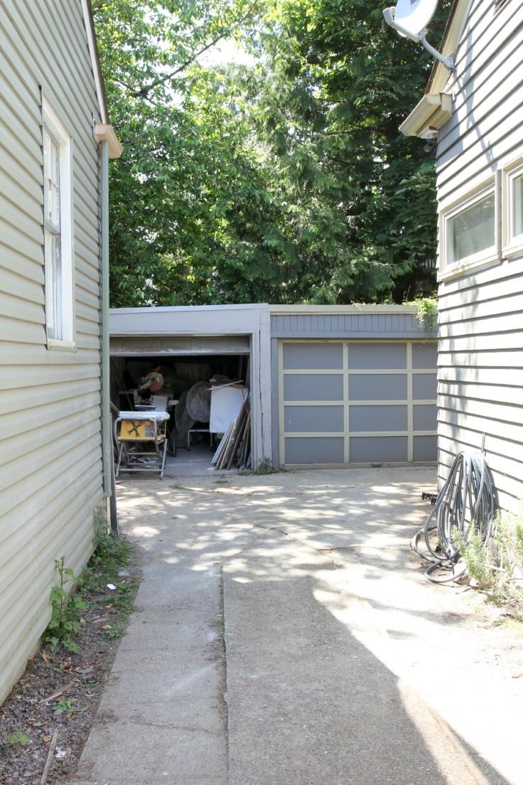 Ravenna House Garage 4