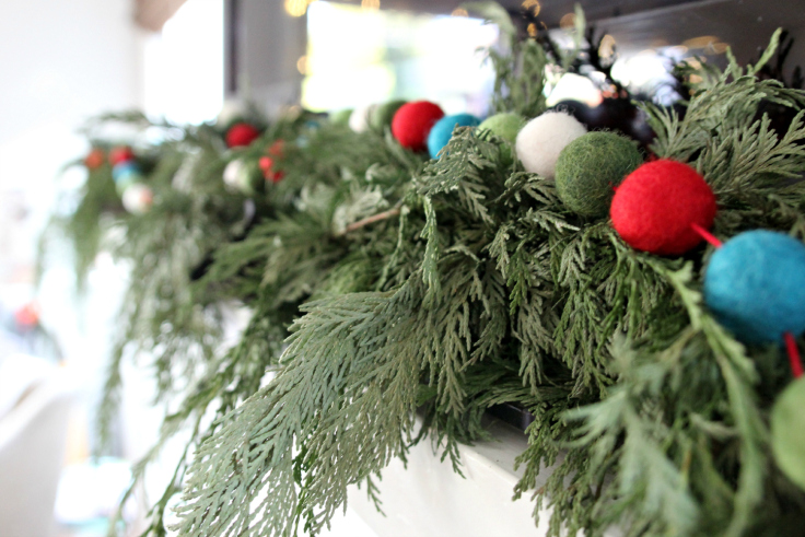 The Grit and Polish - Holiday Mantle Garland