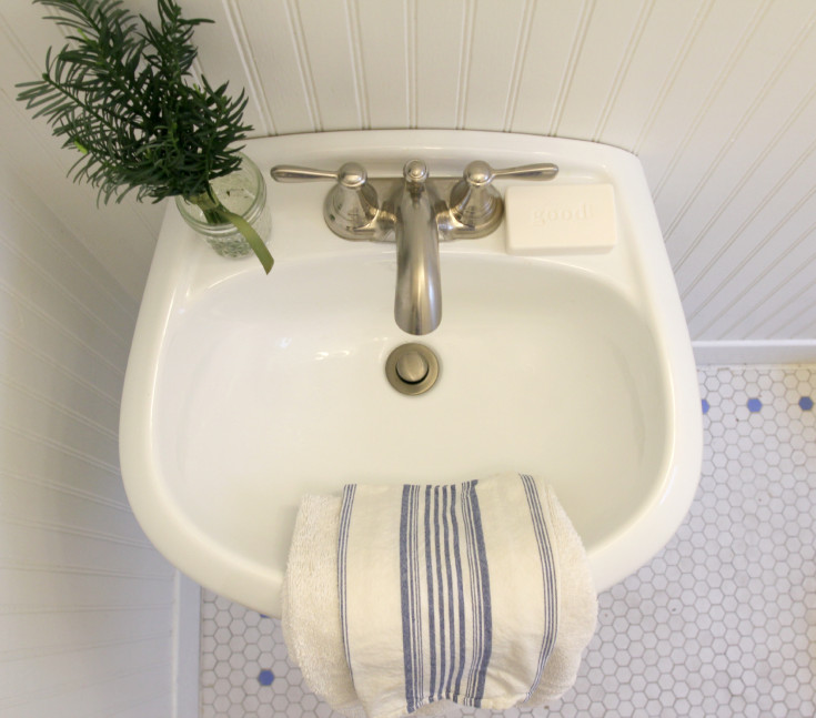 The Grit and Polish - What on Your Bathroom Vanity 7