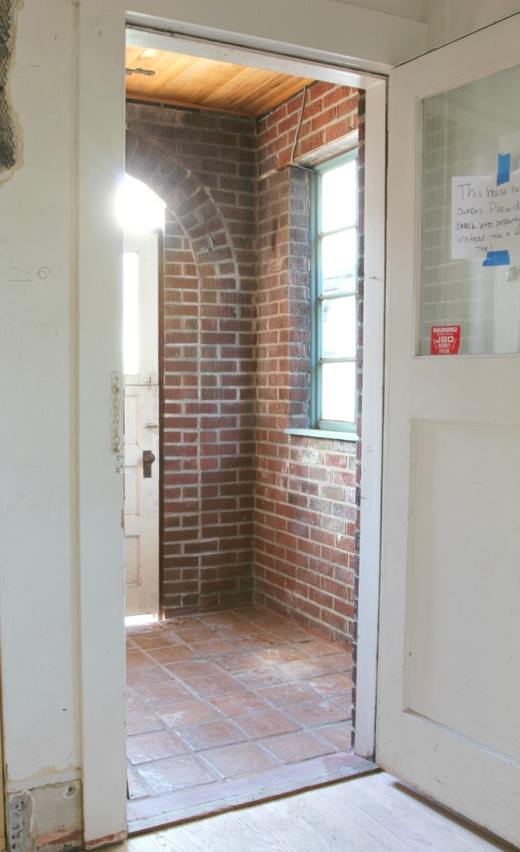 The Grit and Polish - Mudroom from kitchen 2