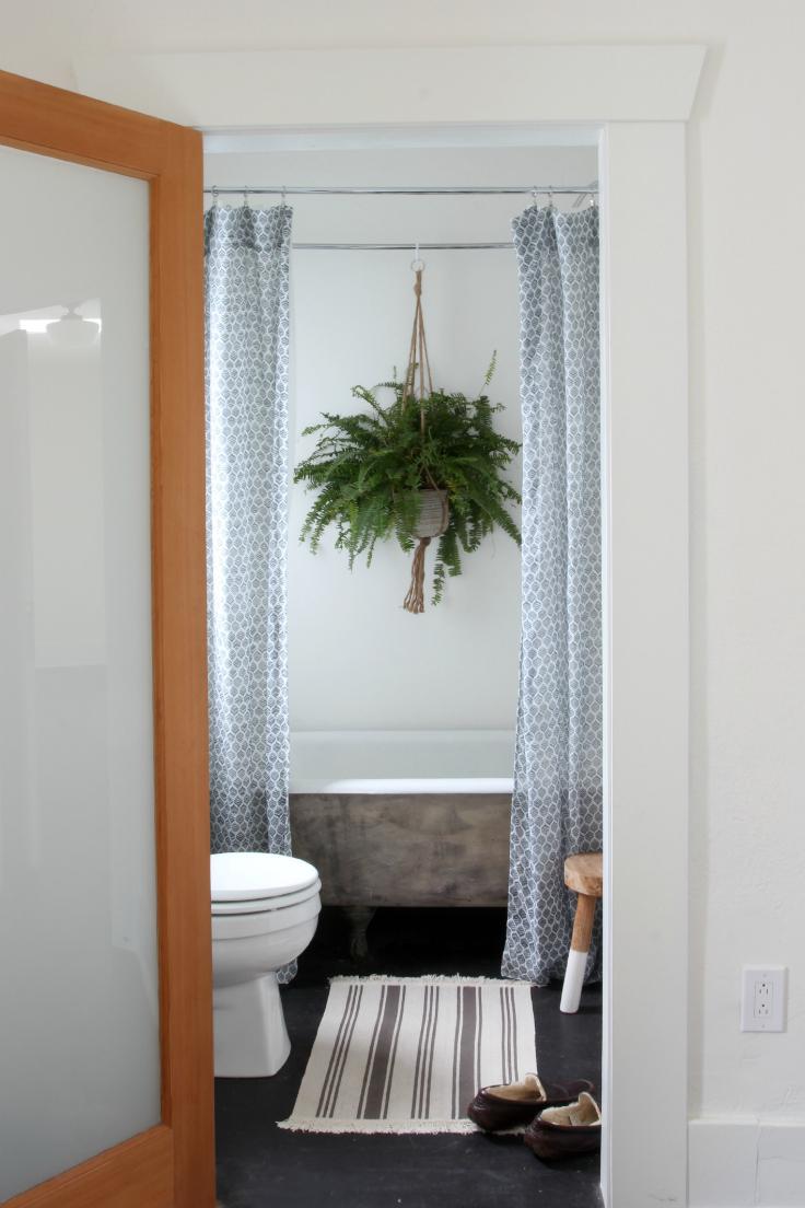 5. Dexter House Master Bathroom