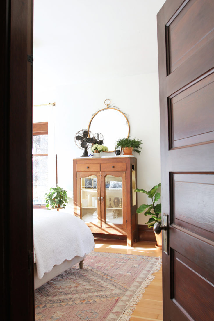 the-grit-and-polish-master-bedroom-from-door-5