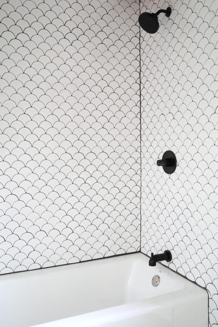 The-Grit-and-Polish-Tacoma-Bathroom-Tile-Shower-Surround-DIY-3-e1542571260730.jpg