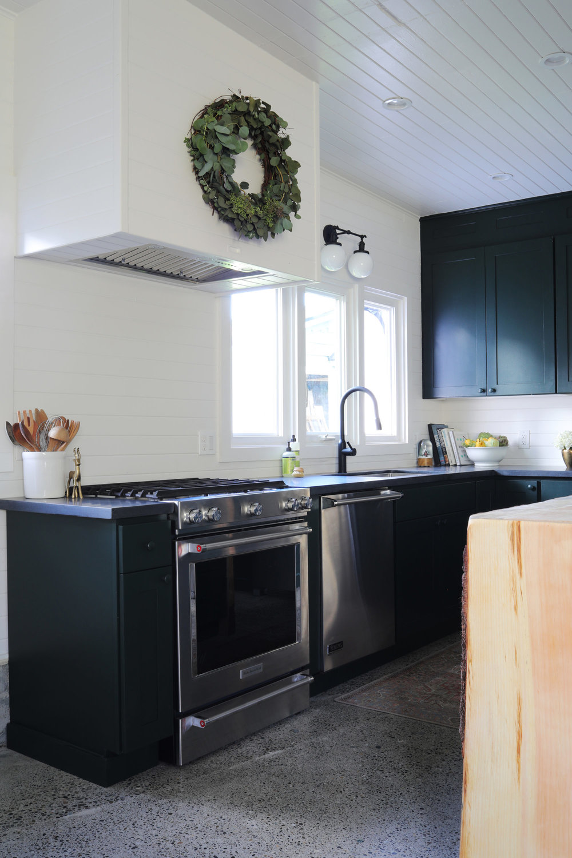 The-Grit-and-Polish-Tacoma-Kitchen-Eucalyptus-Wreath-1-e1543278631896.jpg