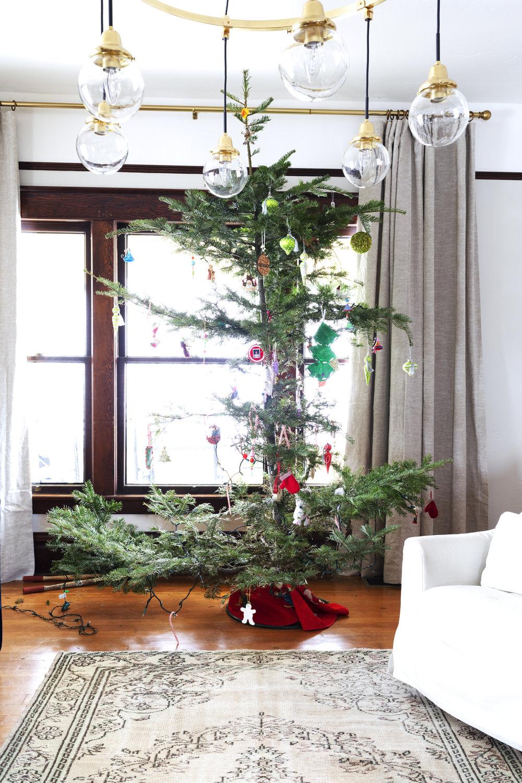 The Grit and Polish - Farmhouse Entry Christmas Tree.jpg