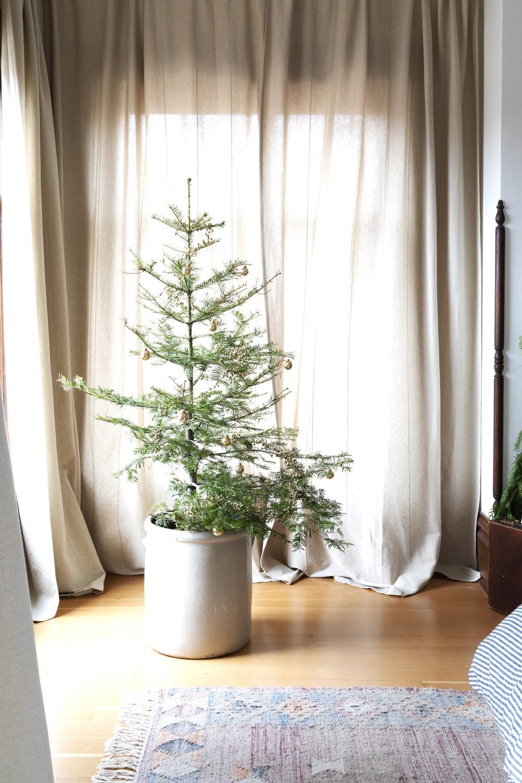 The Grit and Polish - Farmhouse Master Christmas Tree.jpg