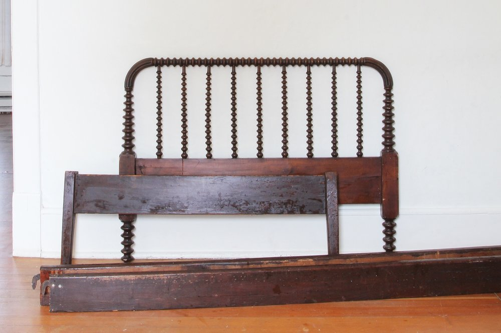 Vintage Find A Jenny Lind Spool Bed The Grit And Polish