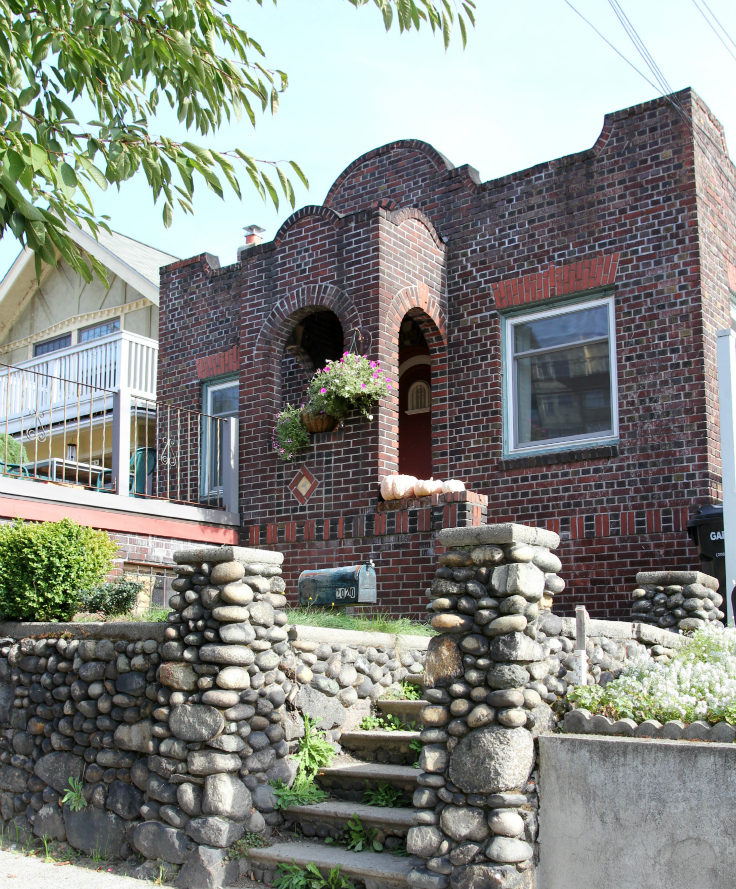 10. Dexter House Front.jpg
