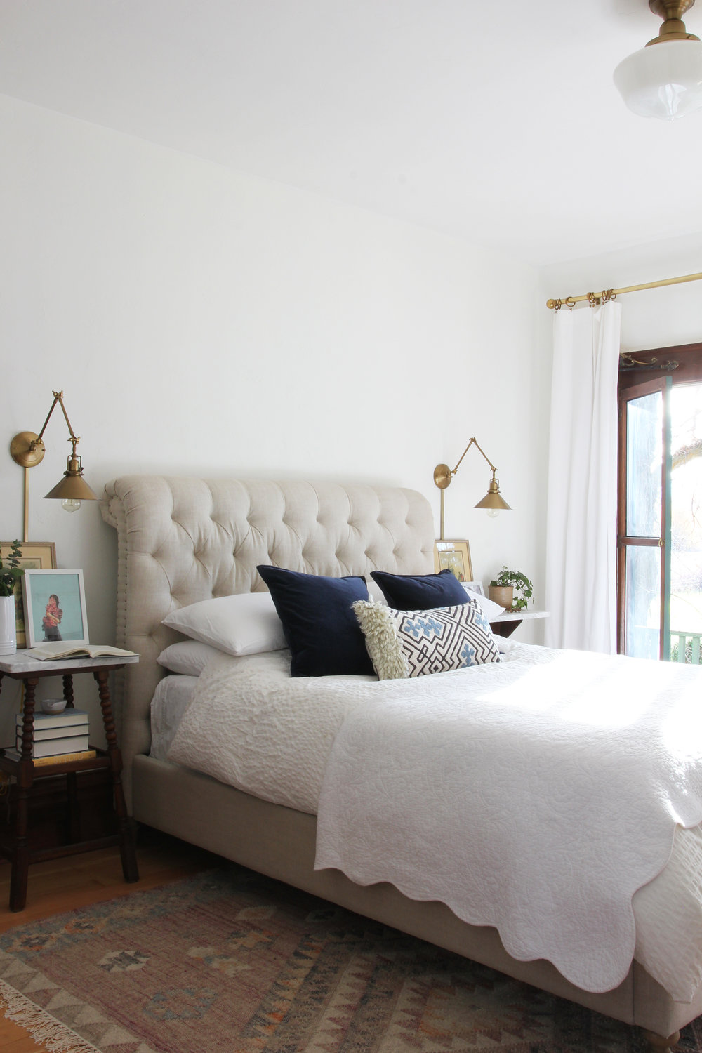 the-grit-and-polish-master-bedroom-tufted-linen-bed