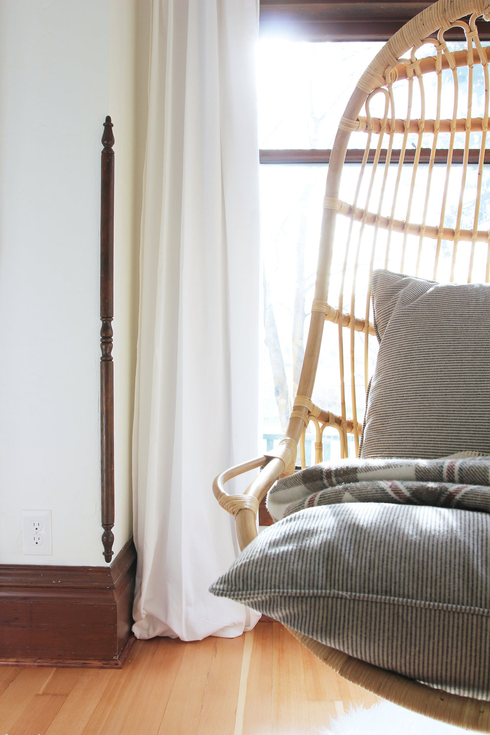 the-grit-and-polish-master-bedroom-hanging-chair-detail