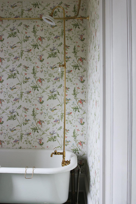 The Grit and Polish - Winnies Bathroom shower riser.jpg