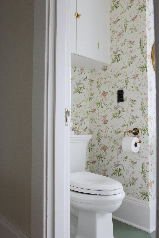 The Grit and Polish - Winnies Bathroom toilet.jpg