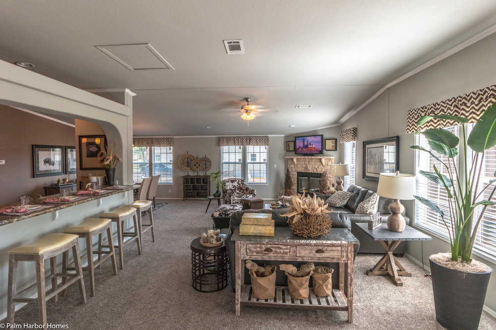 the_la_linda_palm_harbor_manufactured_home_dining_into_family_1280_8.jpg