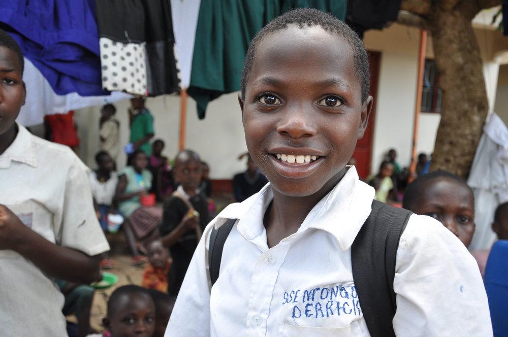 Ssenyange Education Project - Vi engagerar oss i detta viktiga projekt! En skola och ett barnhem för föräldralösa barn i Uganda.