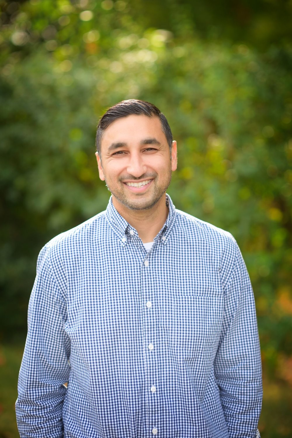 Sanj is originally from California and has a BA from the University of California, Sacramento. Sanj received his AMI training from the Montessori Training Center of New England. He enjoys exploring the great outdoors, cooking, and going on road trips.