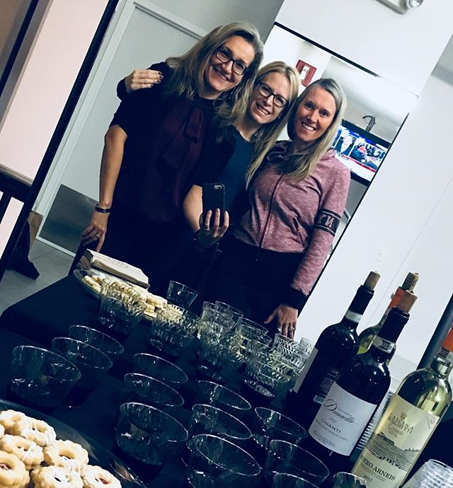 Thanks to everyone who attended Friday's launch of my new Candlelight Restorative Meditation class. The perfect trifecta 🧘‍♂️🍷🍪