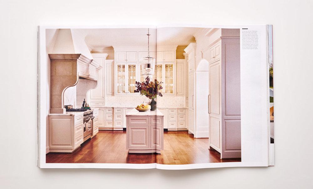 Stephen Karlisch Luxe Elegant Expanse Kitchen
