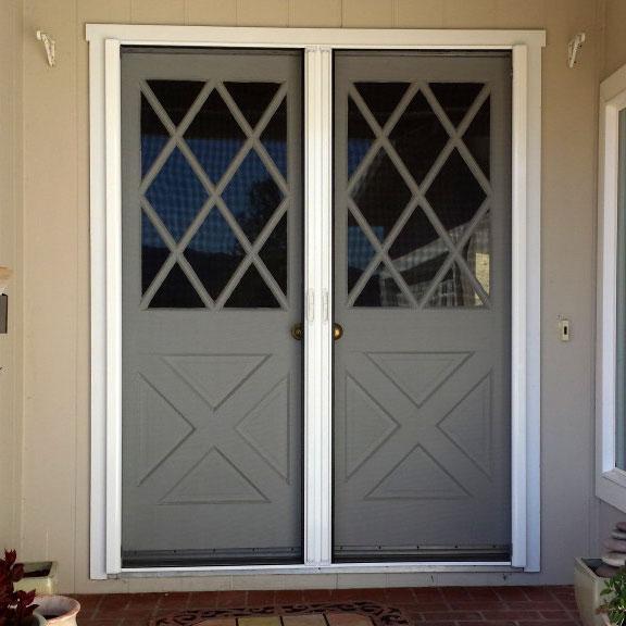 Retractable Screen Door (Roll-Away™)