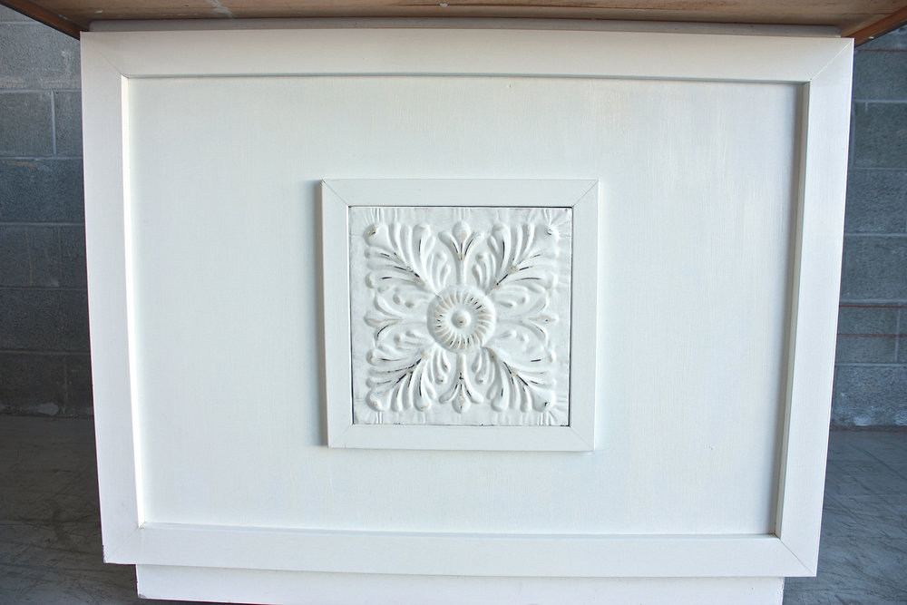 Mini Antique White Bar