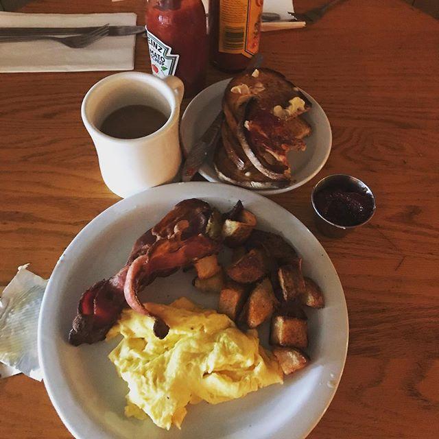 #pdxbrunch #brunch #eggs #bacon